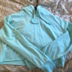 GYMSHARK SIZE SMALL HALF HOODIE